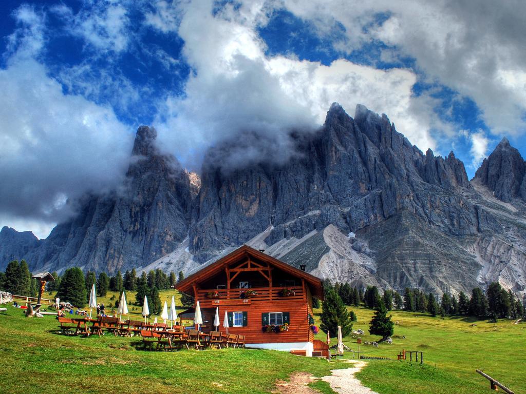 Alps House 1024x768
