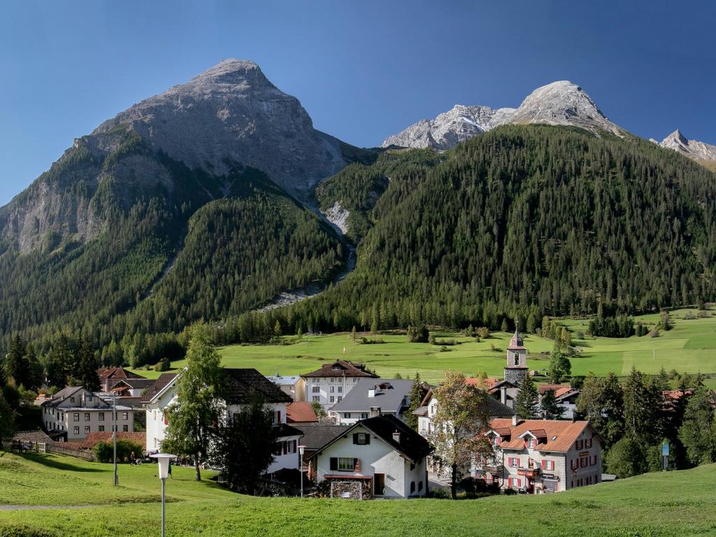 bergun switzerland albula alps bergiun shveitsariia alpy der