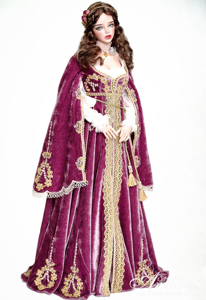 Purple-Juliette---Renaissance-outfit.jpg